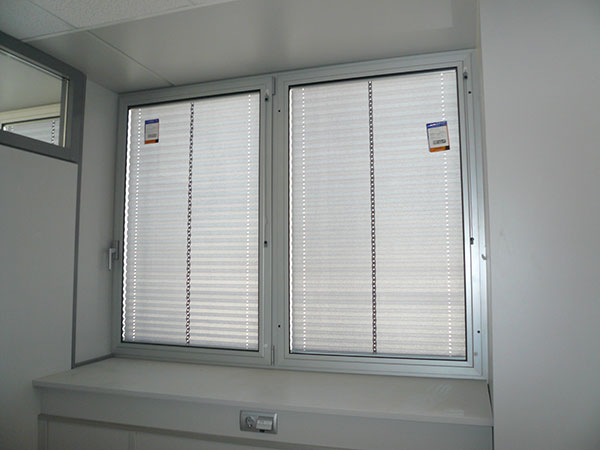 Ventanas de Aluminio con Cortinas Interiores  Dabega SL