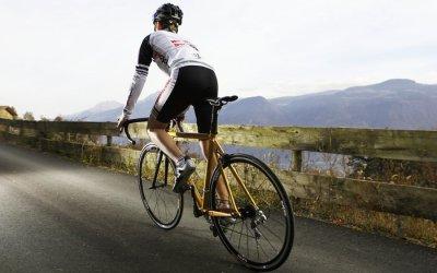 Ciclismo: come usare il cambio in salita