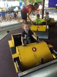 underwater, dutch wonderland, amusement park, parenting, dad and buried, cousins, pennsylvania, roller coaster, water park