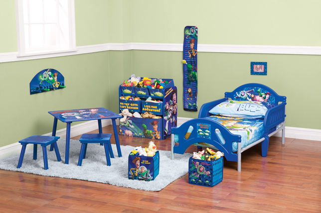 table and chair set walmart sets for kids win an entire toy story toddler bedroom & family movie tickets   dada rocks!