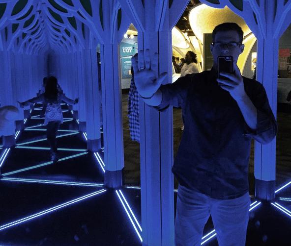 mirrors maze