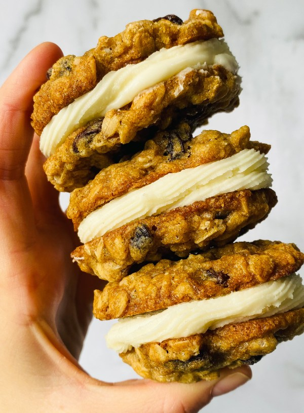 Oatmeal Raisin Whoopie Pies – Cream Cheese Frosting