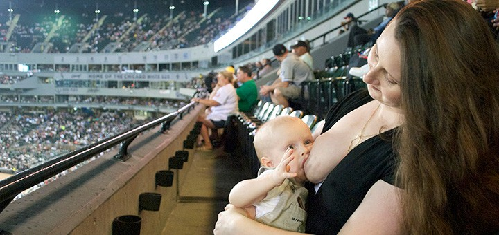 Ditch the Cover: A Dad's Feelings on Open Air Breastfeeding