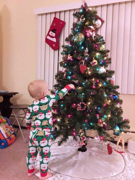 MrDude_Toddler_Christmas_Tree_Web