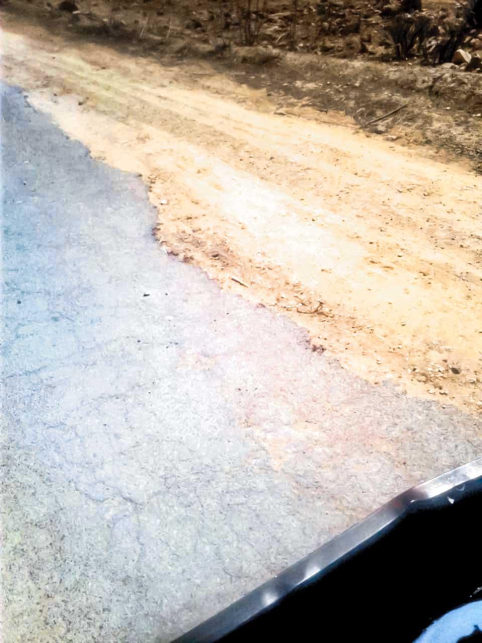 مول البركي» .. طريق «الحفر» تنتظر الإصلاح !