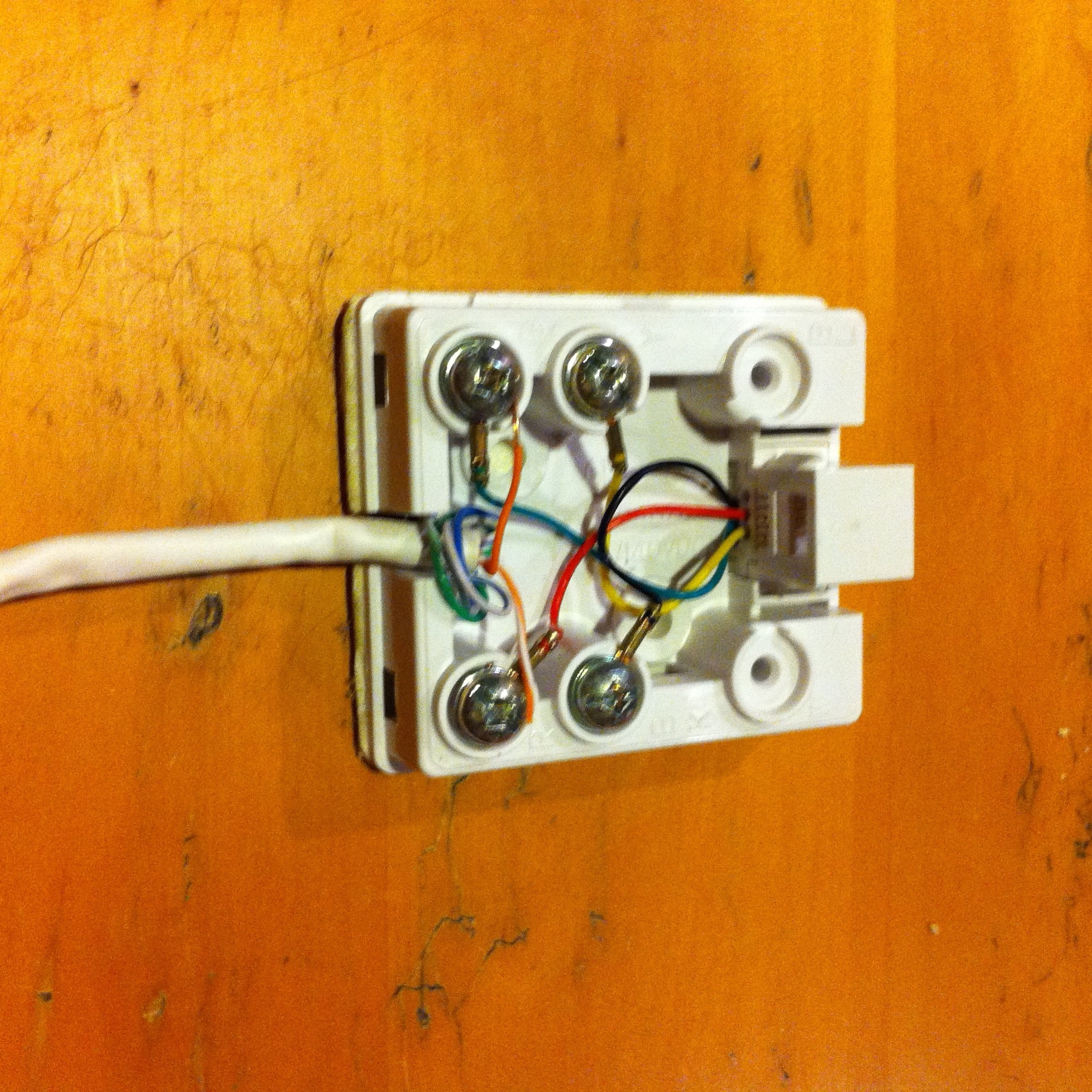 Image of the wiring inside a phone jack