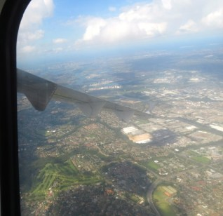 banking over western Sydney ... views along the Parramatta River to the Heads