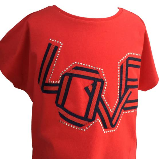 Detalle IDO camiseta roja Love