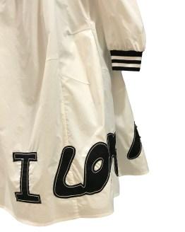 Detalle MONNALISA vestido Love blanco