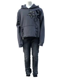 Propuesta conjunto IDO sudadera gris con capucha