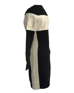 Vista lateral Guess vestido punto negro y beige