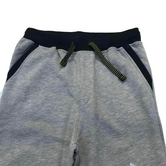 detalle Guess pantalón jogging gris chico