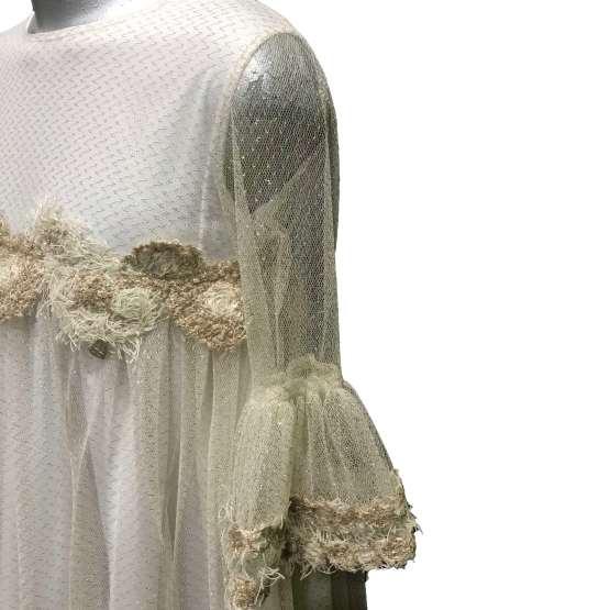 Bella Bimba colección Ananda vestido corte pecho detalle