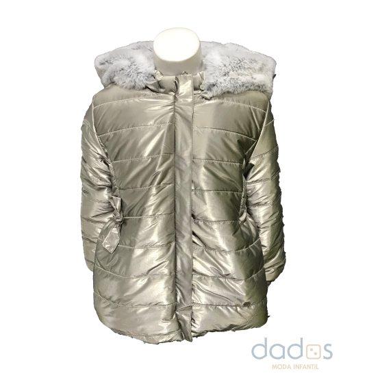 Marta y Paula abrigo champán acharolado capucha desmontable