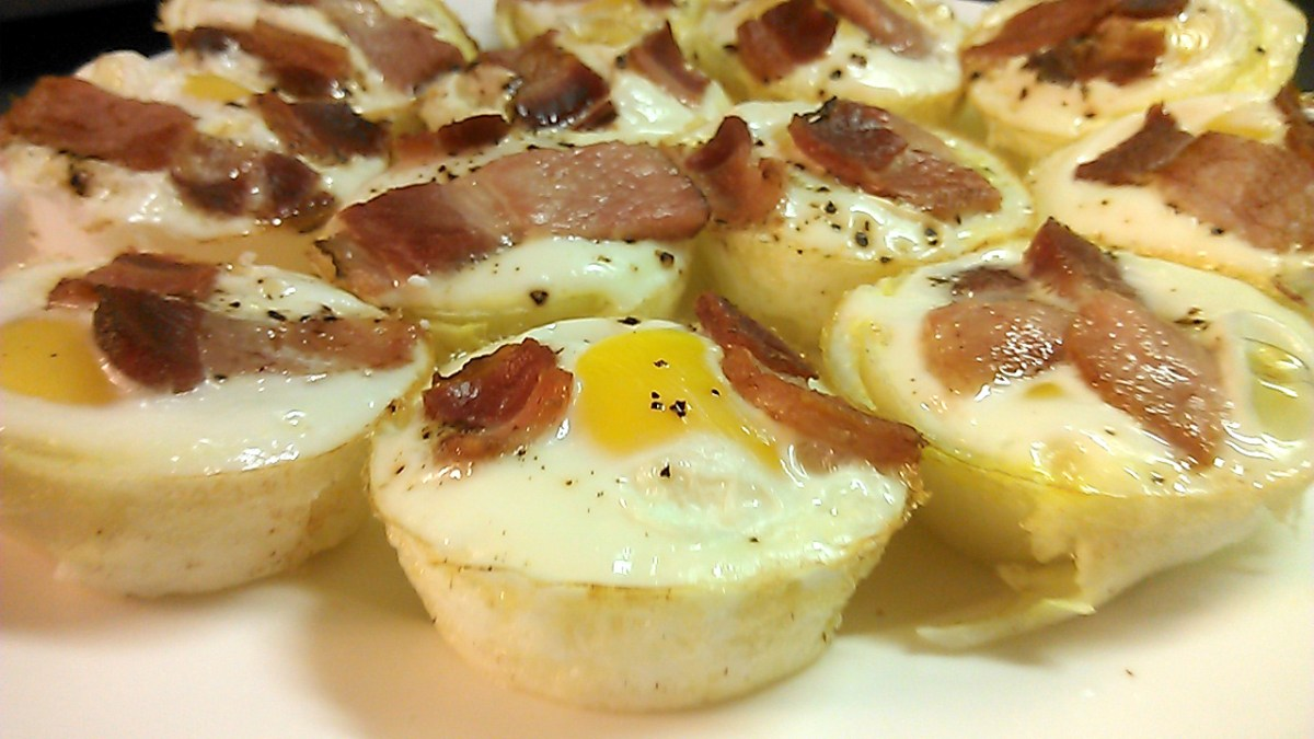 Egg and Onion Cups Topped With Bacon