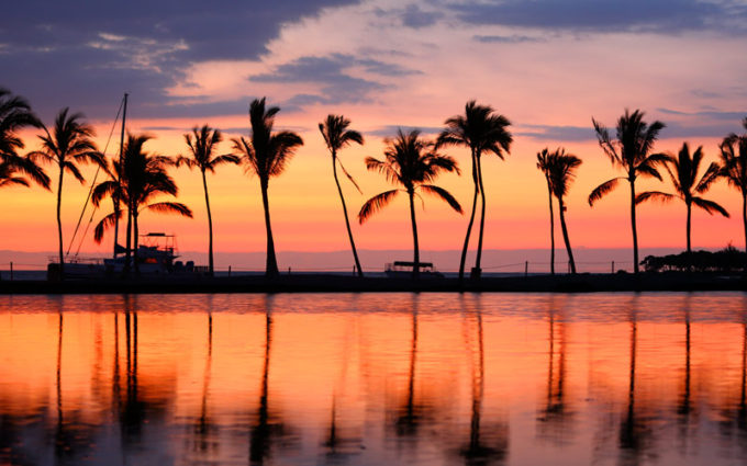paradise-beach-sunset-at-big-island-hawaii-usa