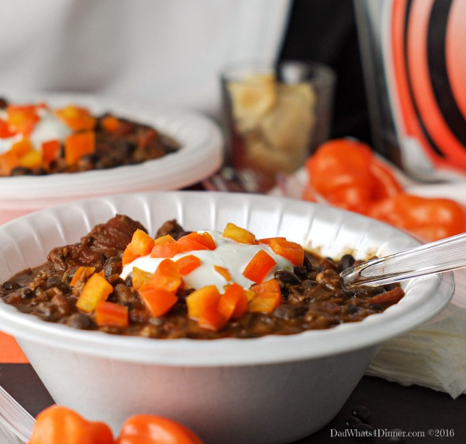 Take your tailgating food to whole new level with my Game Day Black Bean Habanero Chili!!! Healthy and spicy! #Tailgreatness
