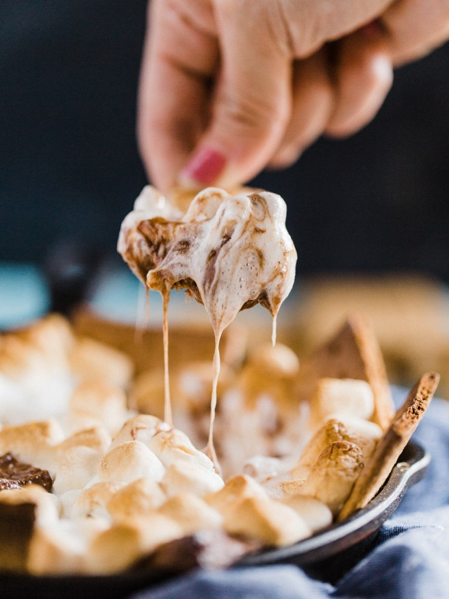 A Grilled S'more Dip is an easy treat for movie night, or outdoor party is definitely a great way to let get in on the S'more action!
