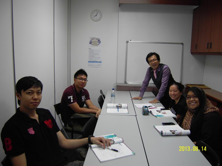 Teacher Mr Harry and her students Learn Easy Korean at Daehan Korean Language Centre