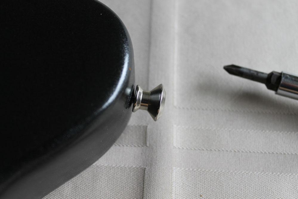 loose-strap-button