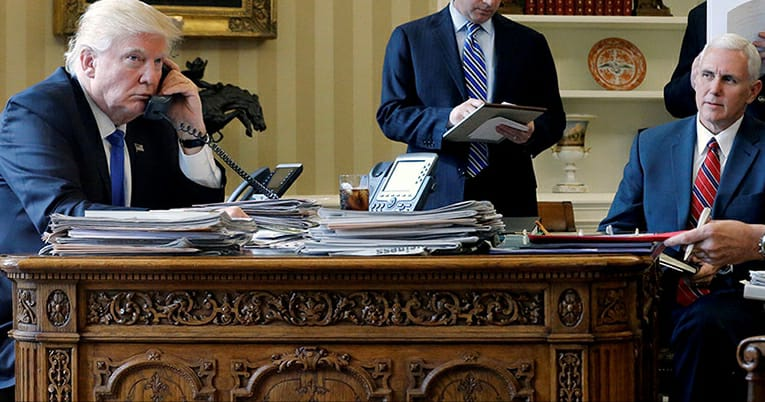 White House outgoing message is CLASSIC upon #SchumersShutdown. Photo credit to Reuters.