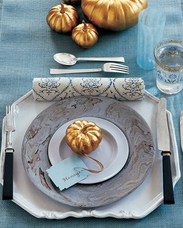 DIY spray-painted pumpkins for Thanksgiving decor