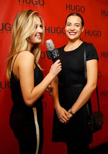 Moderátorka Fashion TV Natálie Kotková s modelkou Kateřinou Sokolovou.