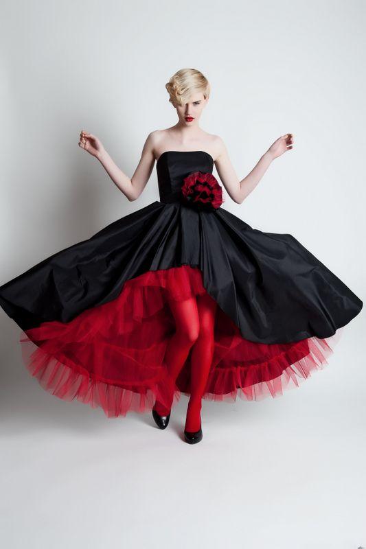 suknia-balowa-czerwona-czarna