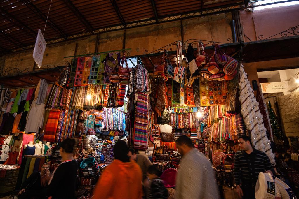 Echoppes dans le souk de Marrakech.