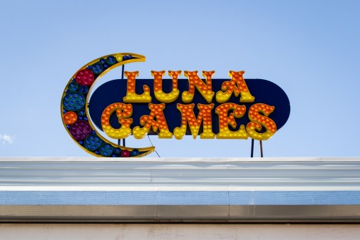 Luna Games.