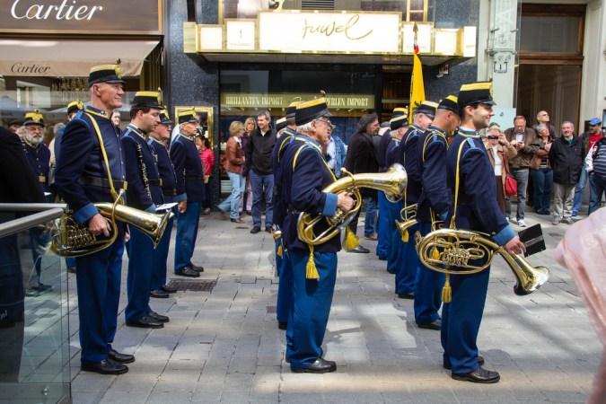 Fanfare militaire dans les rues de Vienne.