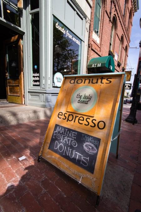 Panneau de café à Portland, Maine.