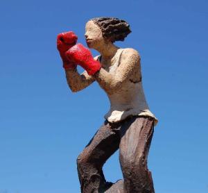 Ingun Dahlin bokser jeg gir meg aldri keramikk skulptur