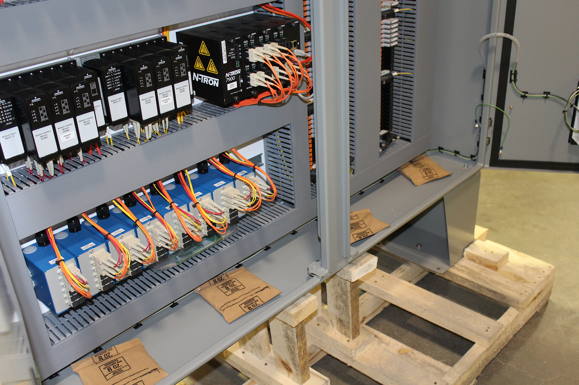 hight resolution of deltav distributed control system dcs for a fractionator facility