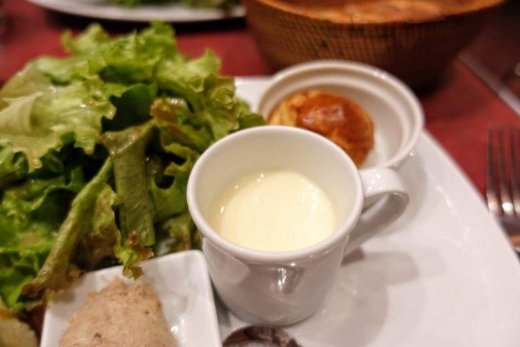 コスパ最強の表参道・原宿ランチのル・プレヴェール表参道のハラミステーキプレートについてくる冷製スープ