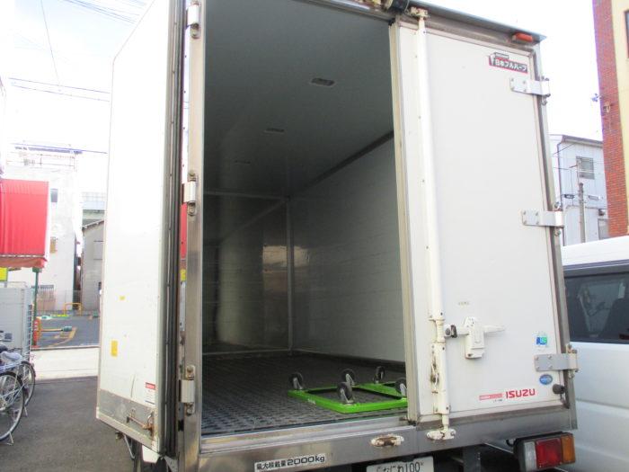 2トン 配送車