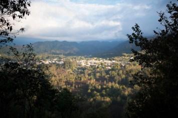 Lago de Atitlan – Going down Indian Nose