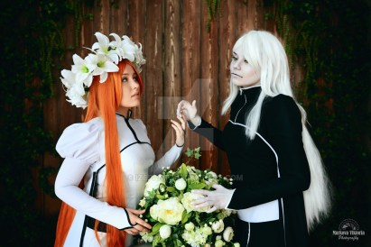 Hollow Orihime and Inoue Cosplay by Izefant