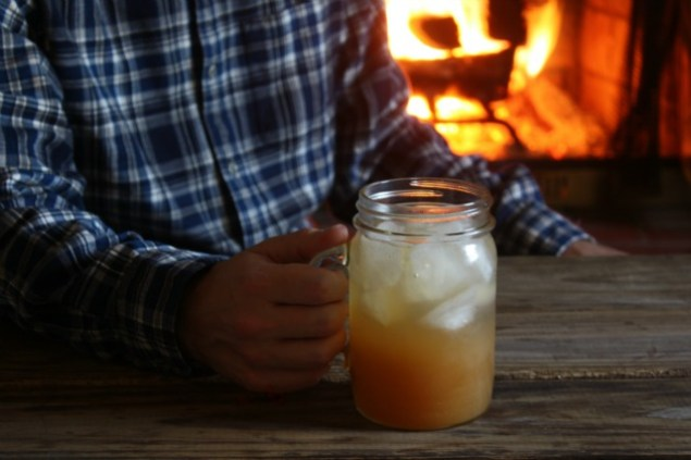 Apple Cider Jack. An apple cider cocktail with AppleJack and Club Soda