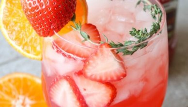 Low Calorie Prosecco Strawberry Cocktail