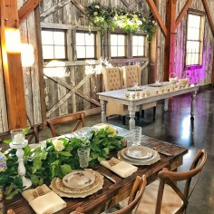 wedding venues in missouri - westonredbarnfarm 4