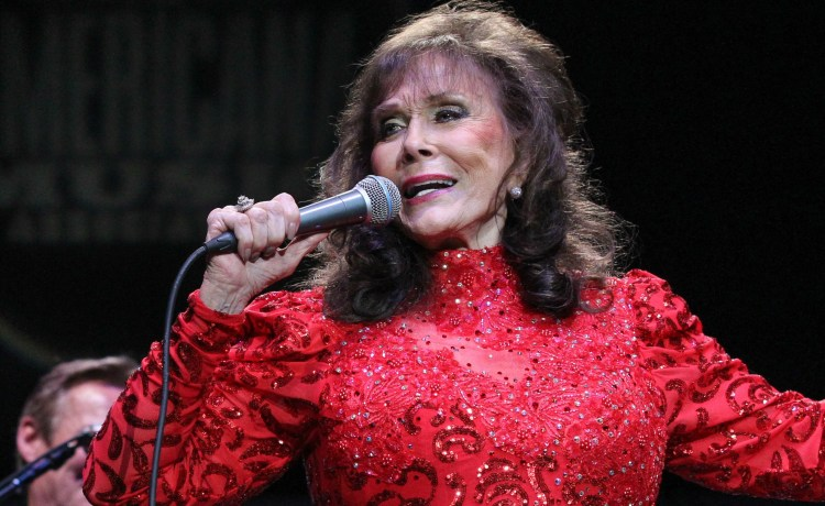 Loretta Lynn is voting for Donald Trump for president. (Photo: Getty Images)
