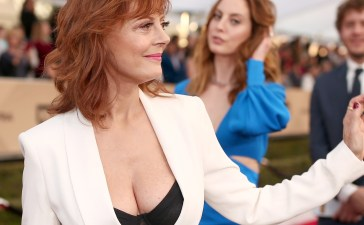 Susan Sarandon shows off cleavage