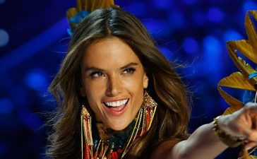 Alessandra Ambrosio (Photo credit: Getty Images)