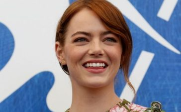 "FILE PHOTO: Actress Emma Stone while attending the photocall for the movie ""La La Land"" at the 73rd Venice Film Festival in Venice, Italy August 31, 2016. REUTERS/Alessandro Bianchi/File Photo"