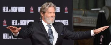 Actor Jeff Bridges displays his hands before imprinting his handprints in the block of cement at a Hand and Footprint Ceremony at the TCL Chinese Theater in Hollywood, California, on January 6, 2017. / AFP / Robyn BECK (Photo credit: ROBYN BECK/AFP/Getty Images)
