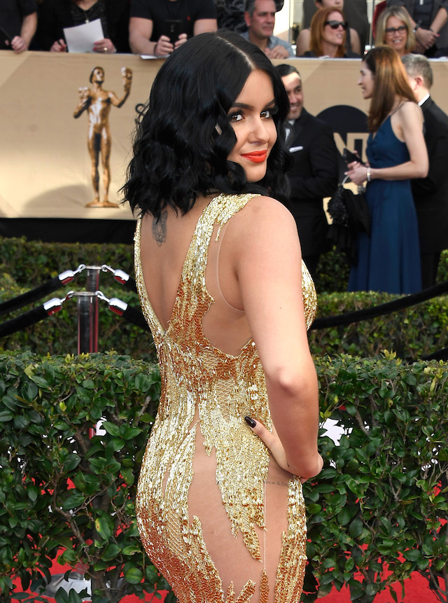 LOS ANGELES, CA - JANUARY 29: Actor Ariel Winter, fashion detail, attends The 23rd Annual Screen Actors Guild Awards at The Shrine Auditorium on January 29, 2017 in Los Angeles, California. 26592_008 (Photo by Frazer Harrison/Getty Images)