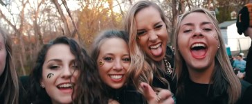 college girls YouTube screenshot/ImSchmacked
