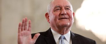 Secretary of Agriculture nominee Sonny Perdue is sworn in at his confirmation hearing before the Senate Agriculture Committee on Capitol Hill in Washington, DC, U.S. March 23, 2017. (Photo: REUTERS/Aaron P. Bernstein)