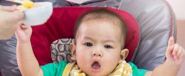 Baby doesn't want food (Shutterstock/Jat306)